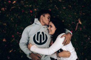 Czym jest miłość? Szczegółowa analiza